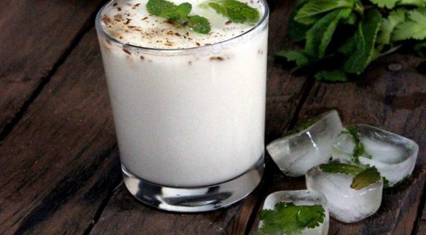 Doogh, Persian Fizzy Yogurt Drink